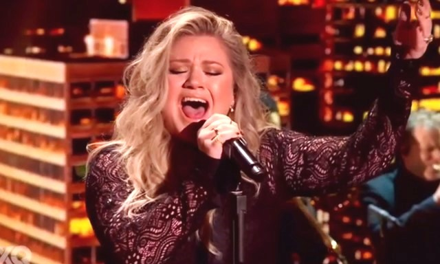 Kelly Clarkson XQ SUPER SCHOOL LIVE Move You Performance