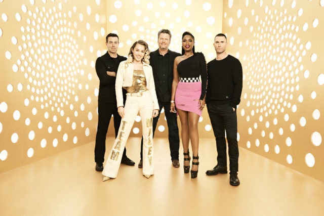 THE VOICE -- Season: 13 -- Pictured: (l-r) Carson Daly, Miley Cyrus, Blake Shelton, Jennifer Hudson, Adam Levine -- (Photo by: Andrew Eccles/NBC)