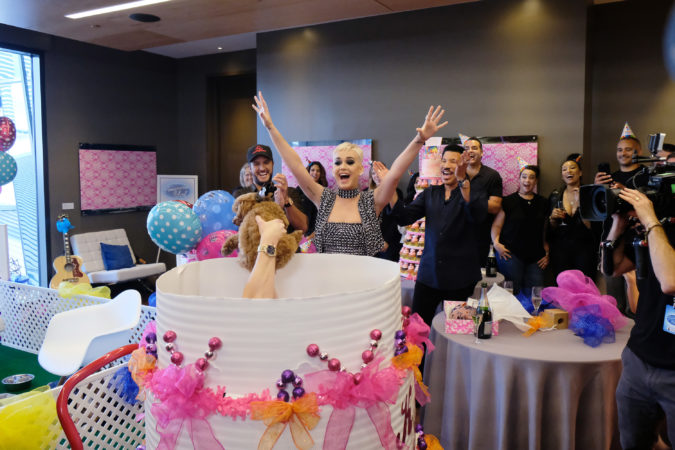 """AMERICAN IDOL - As """"American Idol"""" auditions continued this week in the heart of Music City, celebrity judges Luke Bryan and Lionel Richie, along with host Ryan Seacrest, surprised Katy Perry with a puppy themed party in honor of her upcoming birthday. (ABC/Mark Levine) LUKE BRYAN, KATY PERRY, LIONEL RICHIE"""