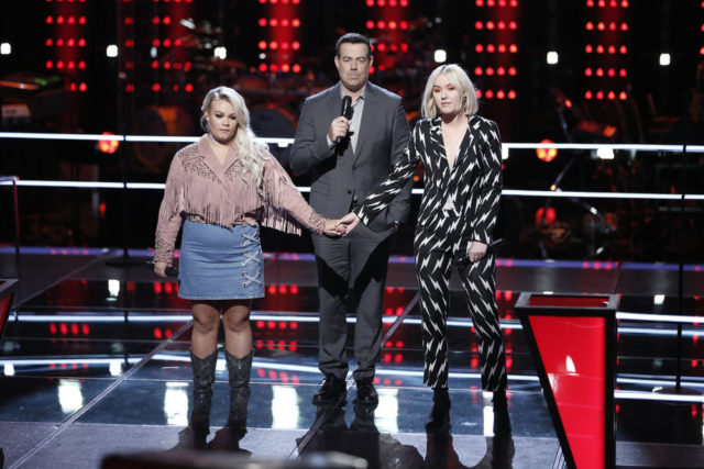"THE VOICE -- ""Knockout Rounds"" -- Pictured: (l-r) Ashland Craft, Carson Daly, Chloe Kohanski -- (Photo by: Tyler Golden/NBC)"