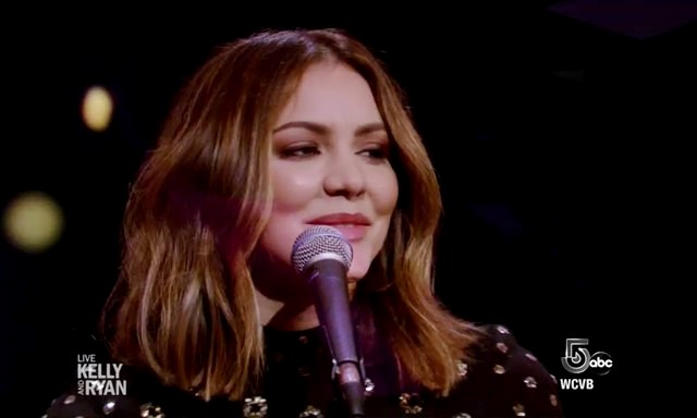 Katharine McPhee Live with Kelly and Ryan