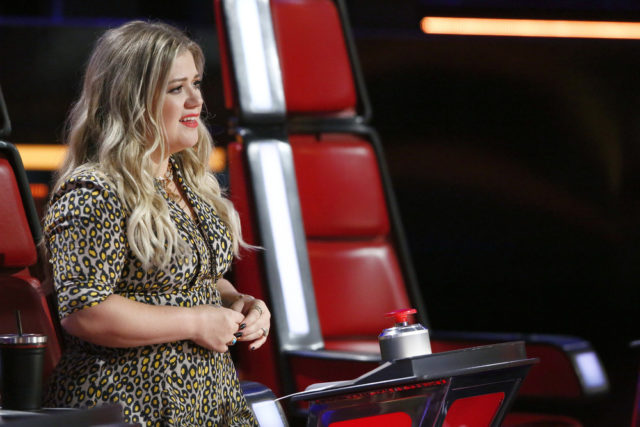 "THE VOICE -- ""Knockout Reality"" -- Pictured: Kelly Clarkson -- (Photo by: Trae Patton/NBC)"