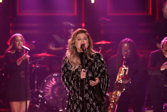"THE TONIGHT SHOW STARRING JIMMY FALLON -- Episode 0765 -- Pictured: Singer Kelly Clarkson performs ""Whole Lotta Woman"" on October 31, 2017 -- (Photo by: Andrew Lipovsky/NBC)"