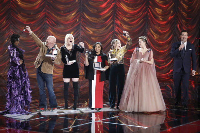 "THE VOICE -- ""Live Finale"" Episode 1321B -- Pictured: (l-r) Jennifer Hudson, Red Marlow, Chloe Kohanski, Brooke Simpson, Addison Agen, Miley Cyrus, Carson Daly -- (Photo by: Tyler Golden/NBC)"