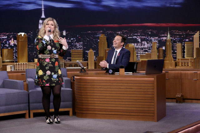 "THE TONIGHT SHOW STARRING JIMMY FALLON -- Episode 0821 -- Pictured: (l-r) Singer Kelly Clarkson during ""Google Translate Songs"" with host Jimmy Fallon on February 26, 2018 -- (Photo by: Andrew Lipovsky/NBC)"