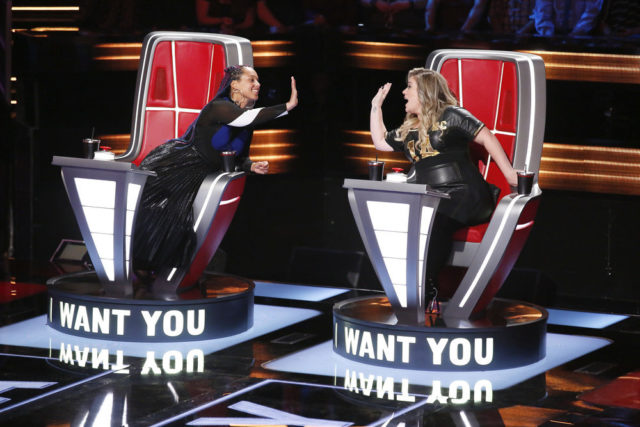 "THE VOICE -- ""Blind Auditions"" -- Pictured: (l-r) Alicia Keys, Kelly Clarkson -- (Photo by: Trae Patton/NBC)"