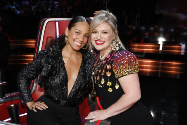"""THE VOICE -- """"Live Playoffs"""" Episode 1414B -- Pictured: (l-r) Alicia Keys, Kelly Clarkson -- (Photo by: Trae Patton/NBC)"""