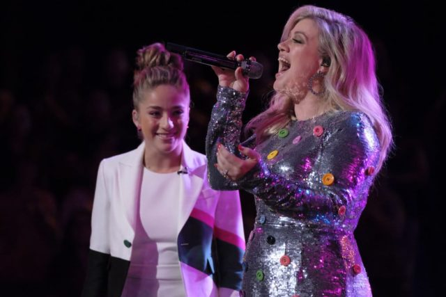 """THE VOICE -- """"Live Top 12"""" Episode 1415B -- Pictured: (l-r) Brynn Cartelli, Kelly Clarkson -- (Photo by: Trae Patton/NBC)"""