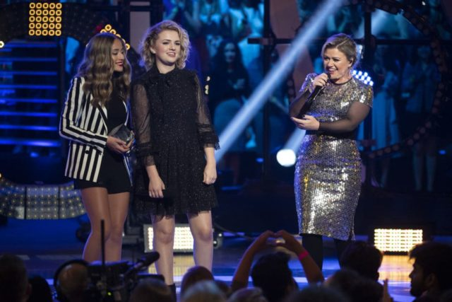 THE 2018 RADIO DISNEY MUSIC AWARDS -(Disney Channel/Image Group LA) BRYNN CARTELLI, MADDIE POPPE, KELLY CLARKSON