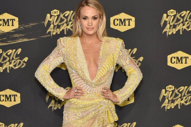 2018 CMT Awards - Carrie Underwood 1