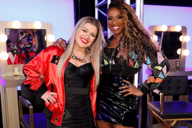 """THE VOICE -- """"Blind Auditions"""" Episode 1504 -- Pictured: (l-r) Kelly Clarkson, Jennifer Hudson -- (Photo by: Trae Patton/NBC)"""
