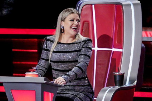 "THE VOICE -- ""Battle Rounds"" -- Pictured: Kelly Clarkson -- (Photo by: Trae Patton/NBC)"