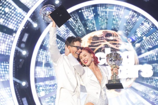 """DANCING WITH THE STARS - """"Finale"""" - After weeks of stunning competitive dancing, the final four couples advance to the season finale of """"Dancing with the Stars,"""" live, MONDAY, NOV. 19 (8:00-10:00 p.m. EST), on The ABC Television Network. (ABC/Kelsey McNeal) BOBBY BONES, SHARNA BURGESS"""