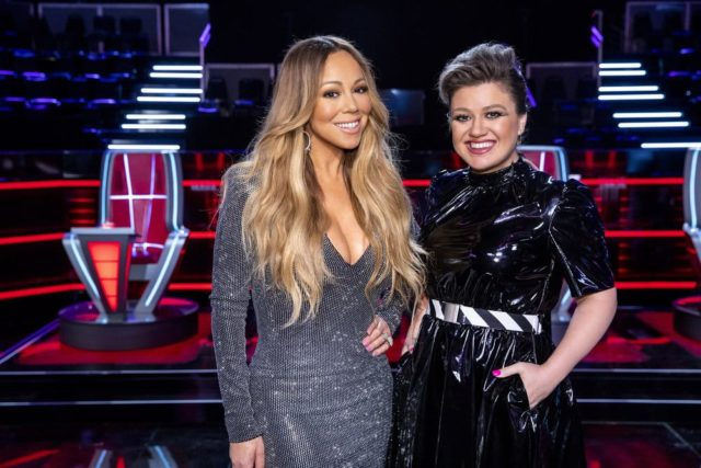"THE VOICE -- ""Knockout Reality"" -- Pictured: (l-r) Mariah Carey, Kelly Clarkson -- (Photo by: Trae Patton/NBC)"