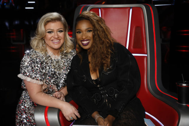 "THE VOICE -- ""Live Playoffs"" Episode 1514A -- Pictured: (l-r) Kelly Clarkson, Jennifer Hudson -- (Photo by: Trae Patton/NBC)"