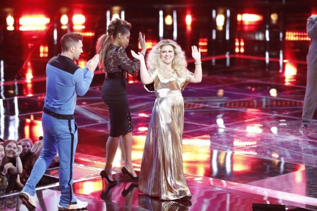 "THE VOICE -- ""Live Top 11 Results"" Episode 1516B -- Pictured: Kelly Clarkson -- (Photo by: Tyler Golden/NBC)"