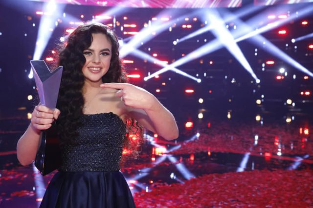 "THE VOICE -- ""Live Finale Results"" Episode 1519B -- Pictured: Chevel Shepherd -- (Photo by: Trae Patton/NBC)"
