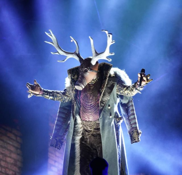 """THE MASKED SINGER: Deer in the all-new """"Five Masks No More"""" episode of THE MASKED SINGER airing Wednesday, Jan. 16 (9:00-10:00 PM ET/PT) on FOX. © 2019 FOX Broadcasting. CR: Michael Becker / FOX."""