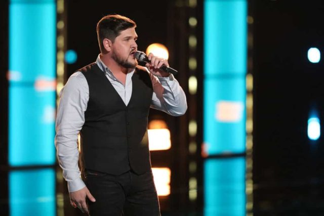 "THE VOICE -- ""Live Cross Battles"" Episode 1611A -- Pictured: Dexter Roberts -- (Photo by: Tyler Golden/NBC)"
