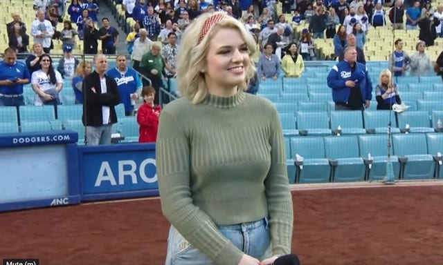 Maddie Poppe Dodgers National Anthem May 2019