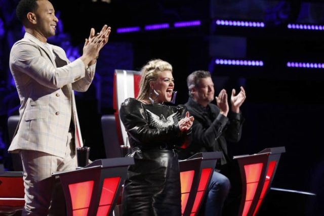 """THE VOICE -- """"Live Top 8 Results"""" Episode 1615B -- Pictured: (l-r) John Legend, Kelly Clarkson, Blake Shelton -- (Photo by: Trae Patton/NBC)"""