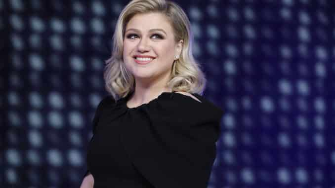 THE VOICE -- Season 16 -- Pictured: Kelly Clarkson -- (Photo by: Trae Patton/NBC)