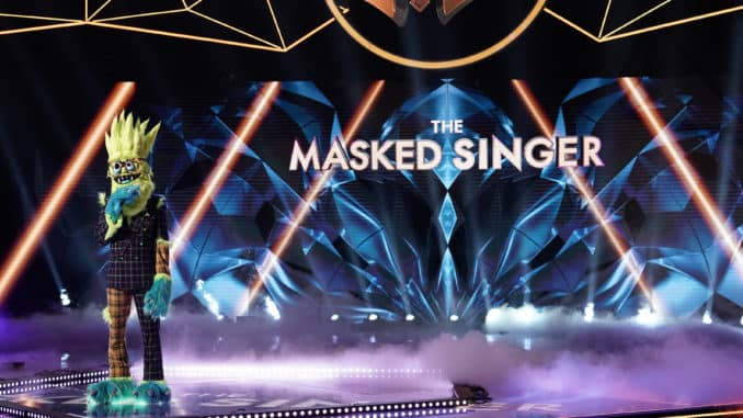 """THE MASKED SINGER: Thingamajig in the """"Season Two Premiere"""" episode of THE MASKED SINGER airing Wednesday, Sept. 25 (8:00-10:00 PM ET/PT) on FOX.. © 2019 FOX MEDIA LLC. CR: Michael Becker / FOX."""