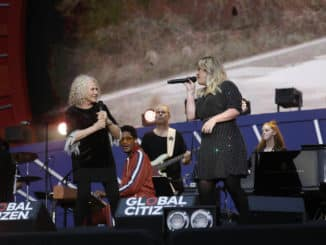 GLOBAL CITIZEN -- Global Citizen Festival in Central Park in New York City on Saturday, September 28, 2019 -- Pictured: (l-r) Carole King, Kelly Clarkson -- (Photo by: Heidi Gutman/MSNBC)