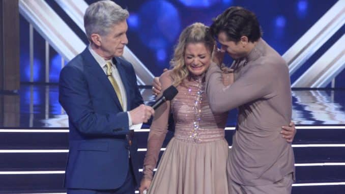 "DANCING WITH THE STARS - ""Week 6"" - After a memorable ""Disney Night"" where there was no elimination, nine celebrity and pro-dancer couples return to the ballroom and compete on the sixth week of the 2019 season of ""Dancing with the Stars,"" live, MONDAY, OCT. 21 (8:00-10:00 p.m. EDT), on ABC. (ABC/Eric McCandless) TOM BERGERON, LAUREN ALAINA, GLEB SAVCHENKO"
