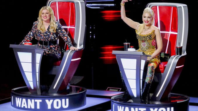 """THE VOICE -- """"Blind Auditions"""" -- Pictured: (l-r) Kelly Clarkson, Gwen Stefani -- (Photo by: Trae Patton/NBC)"""