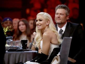 2019 E! PEOPLE'S CHOICE AWARDS -- Pictured: (l-r) Gwen Stefani and Blake Shelton during the 2019 E! People's Choice Awards held at the Barker Hangar on November 10, 2019. -- (Photo by: Christopher Polk/E! Entertainment)
