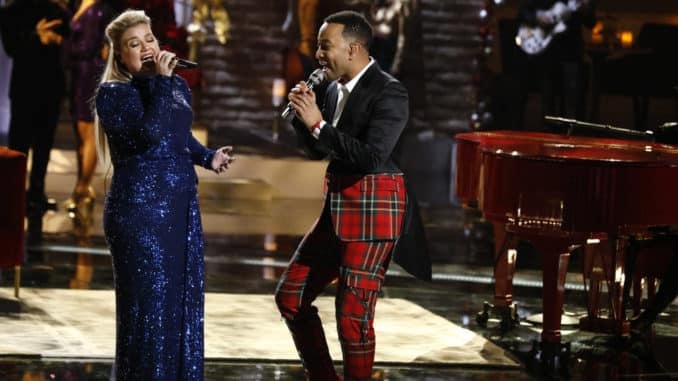 "THE VOICE -- ""Live Top 10 Eliminations"" Episode 1718B -- Pictured: (l-r) Kelly Clarkson, John Legend -- (Photo by: Trae Patton/NBC)"