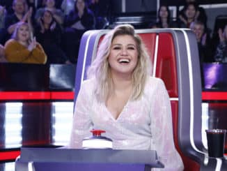 "THE VOICE -- ""Knockout Rounds"" Episode 1810 -- Pictured: Kelly Clarkson -- (Photo by: Trae Patton/NBC)"