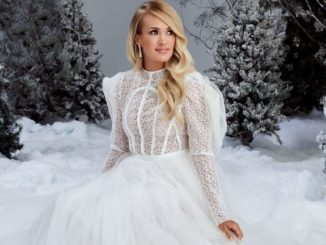 Carrie Underwood My Gift Christmas Album