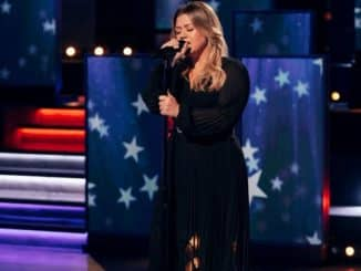 THE KELLY CLARKSON SHOW -- Episode 4025 -- Pictured: Kelly Clarkson -- (Photo by: Weiss Eubanks/NBCUniversal)