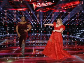 """THE VOICE -- """"Live Top 9 Results"""" Episode 1913B -- Pictured: (l-r) Desz, Kelly Clarkson -- (Photo by: Trae Patton/NBC)"""
