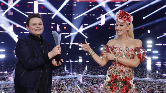 "THE VOICE -- ""Live Finale Results"" Episode 1914B -- Pictured: (l-r) Carter Ruben, Gwen Stefani -- (Photo by: Trae Patton/NBC)"