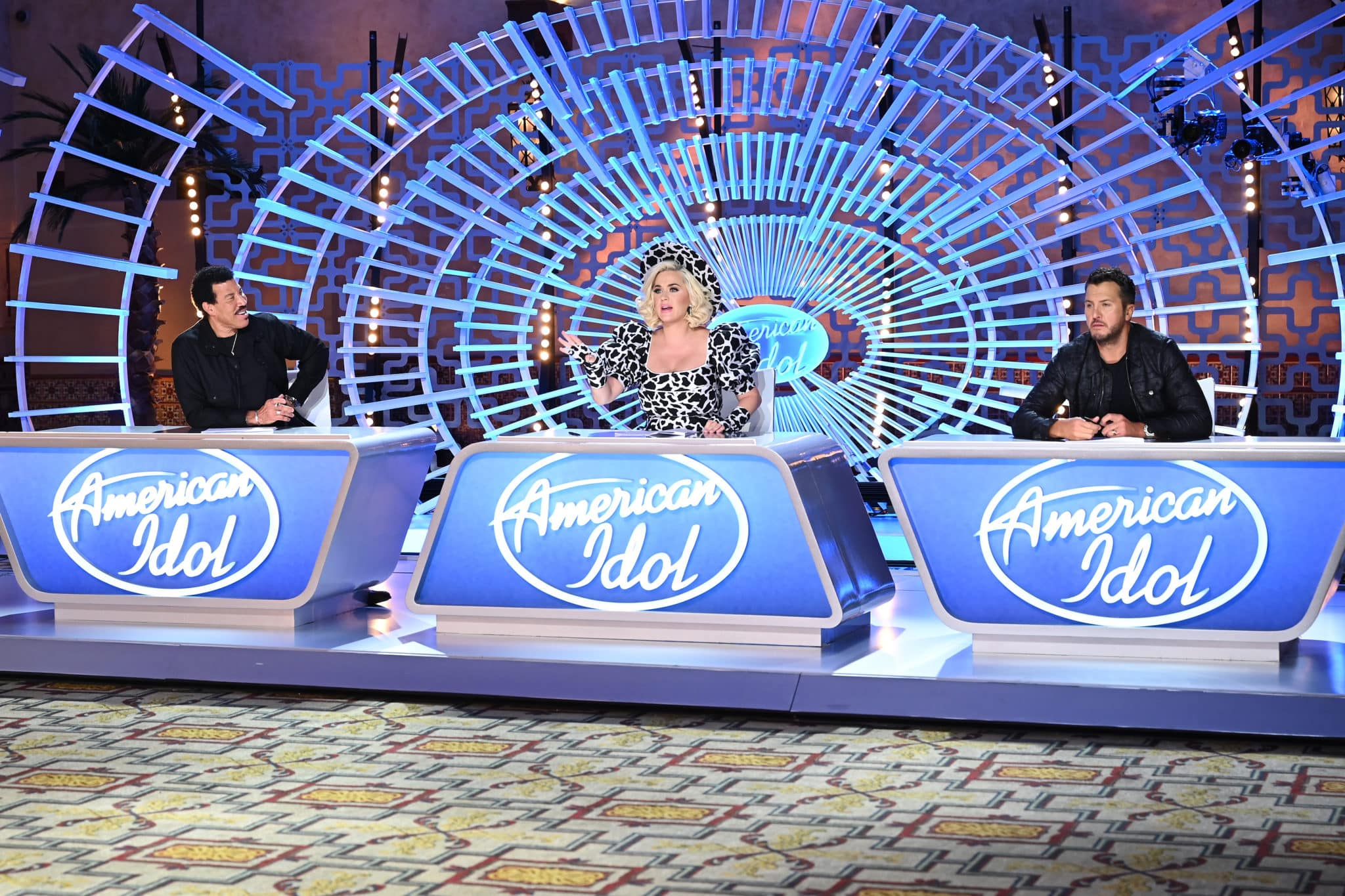 American Idol 2021 Contestant Preview Familiar Faces Viral Singers
