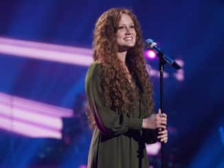 """AMERICAN IDOL – """"410 (All Star Duets and Solos)"""" – Following last week's Showstopper round, """"American Idol"""" continues with the All Star Duet and Solo round, SUNDAY, APRIL 4 (8:00-10:00 p.m. EDT), on ABC. (ABC/Eric McCandless) CASSANDRA COLEMAN"""