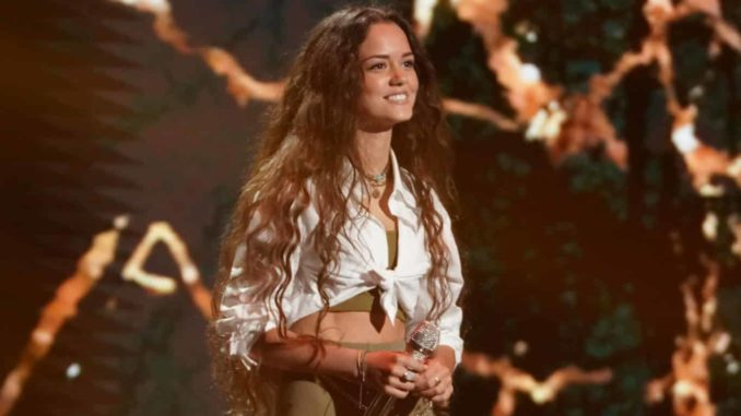 """AMERICAN IDOL - """"412 (Top 16)"""" - """"American Idol"""" continues its search for the next superstar with an all-new episode as the Top 16 are revealed and perform in hopes of securing America's vote to the next round on SUNDAY, APRIL 11 (8:00-10:00 p.m. EDT), on ABC. (ABC/Eric McCandless) CASEY BISHOP"""