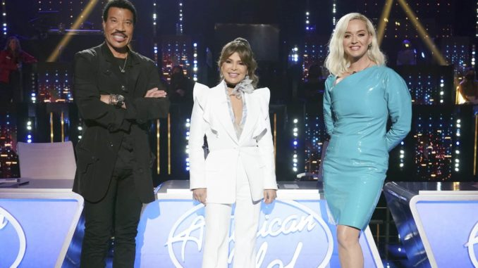 """AMERICAN IDOL - """"413 (Top 12 Live Reveal)"""" Ð """"American Idol"""" gets closer to crowning a winner as it continues on MONDAY, APRIL 12 (8:00-10:00 p.m. EDT), on ABC. Following AmericaÕs overnight vote, 10 contestants will be revealed from the Top 16, leaving six contestants to perform for a chance at one of two spots picked by the judges, rounding out the Top 12. (ABC/Eric McCandless) LIONEL RICHIE, PAULA ABDUL, KATY PERRY"""