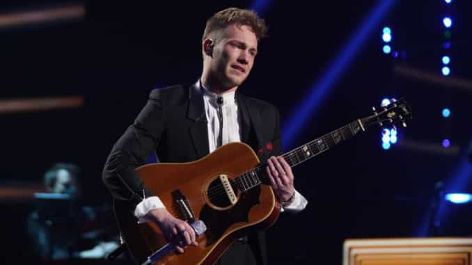 """AMERICAN IDOL – """"414 (Oscar Nominated Songs)"""" – The top 12 contestants perform Oscar®-nominated songs in hopes of securing America's vote into the top nine on an all-new episode of """"American Idol,"""" airing live coast-to-coast on SUNDAY, APRIL 18 (8:00-10:00 p.m. EDT), on ABC. (ABC/Eric McCandless) HUNTER METTS"""
