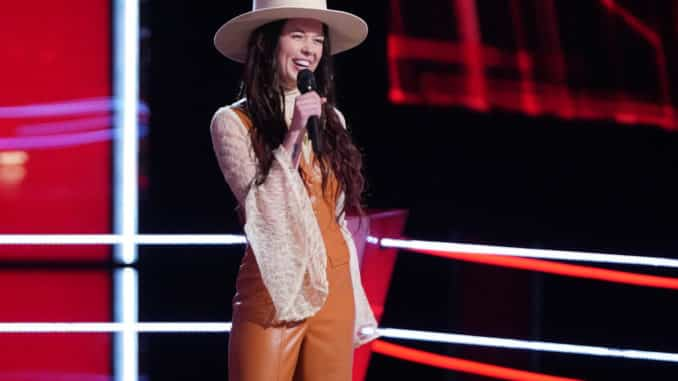 """THE VOICE -- """"Battle Rounds"""" Episode 2008 -- Pictured: Savanna Woods -- (Photo by: Tyler Golden/NBC)"""