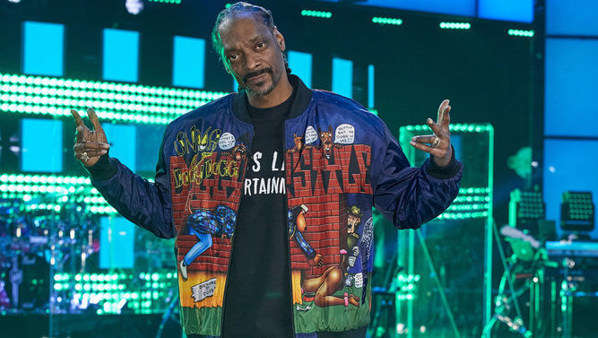"""THE VOICE -- """"Knockout Reality"""" -- Pictured: Snoop Dogg -- (Photo by: Trae Patton/NBC)"""