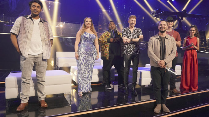 """""""416 (Disney Night)"""" """"American Idol"""" gets closer to crowning its winner on the all-new, magical Disney Night episode airing live coast to coast on SUNDAY, MAY 2 (5:00-7:00 p.m. PDT/6:00-8:00 p.m. MDT/8:00-10:00 p.m. EDT), on ABC. (ABC/Eric McCandless) ARTHUR GUNN, ALYSSA WRAY, WILLIE SPENCE, HUNTER METTS, CHAYCE BECKHAM, CALEB KENNEDY, CASEY BISHOP"""