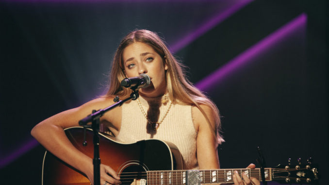 THE KELLY CLARKSON SHOW -- Episode 4140 -- Pictured: Brynn Cartelli -- (Photo by: Weiss Eubanks/NBCUniversal)